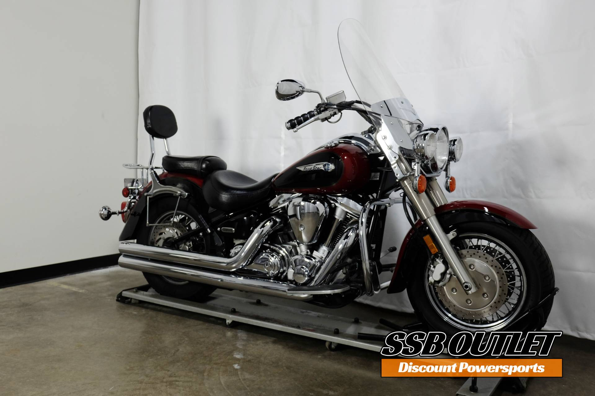 2001 Yamaha Road Star in Eden Prairie, Minnesota - Photo 2