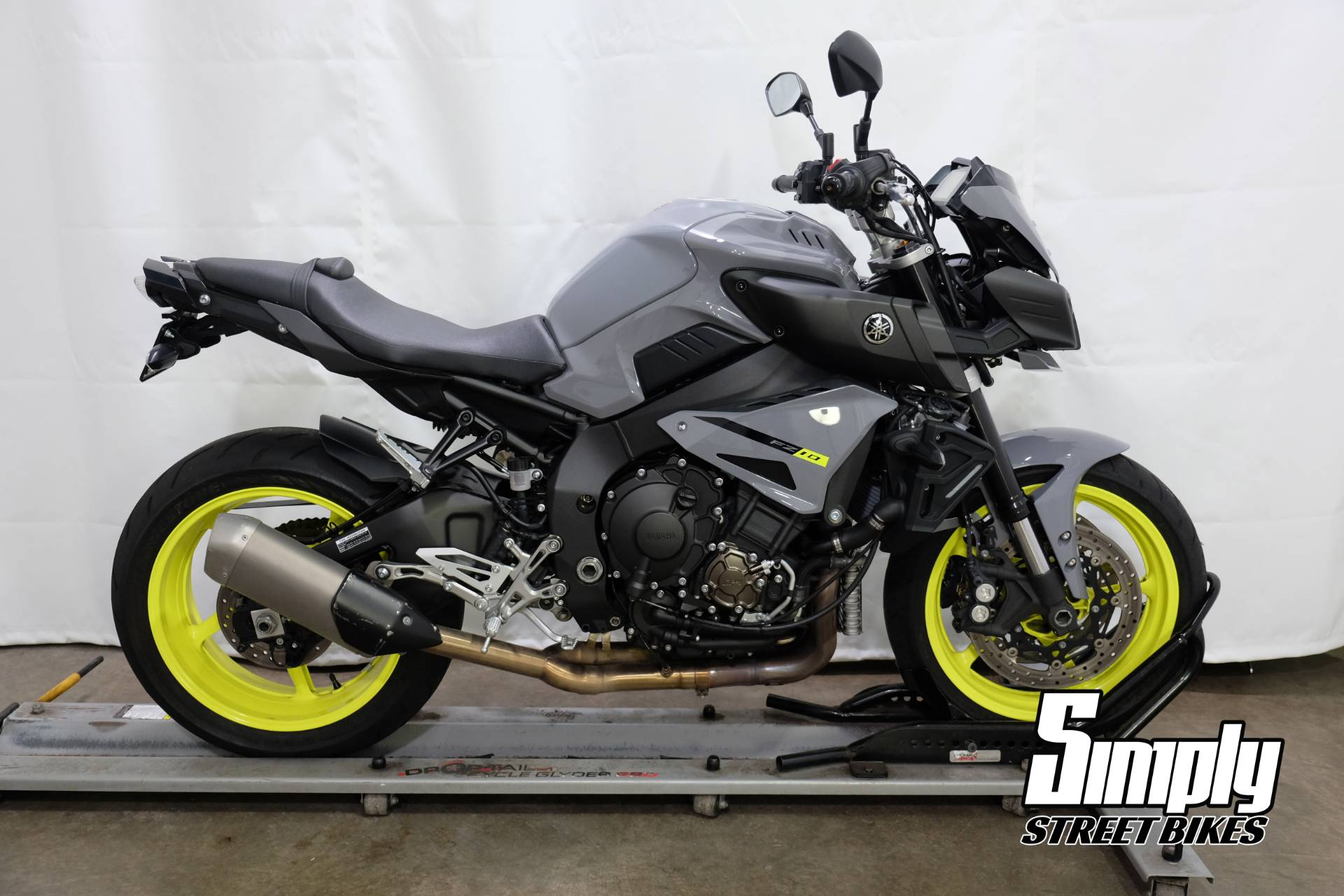 2017 Yamaha FZ-10 in Eden Prairie, Minnesota - Photo 1