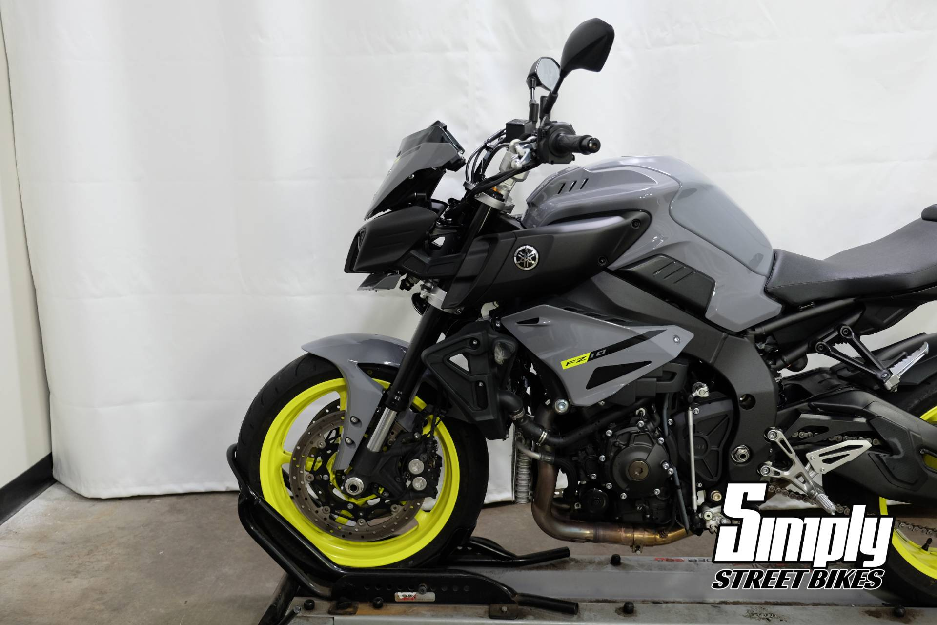 2017 Yamaha FZ-10 in Eden Prairie, Minnesota - Photo 34