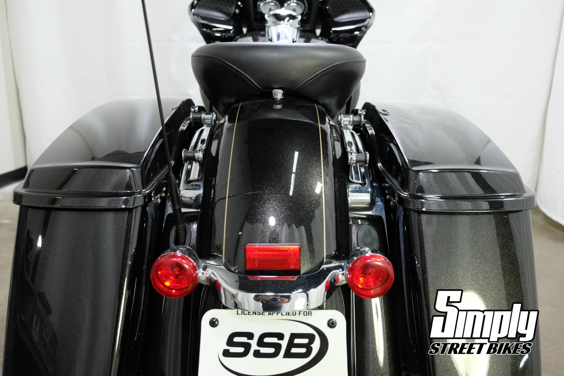 2016 Harley-Davidson Road Glide® Special in Eden Prairie, Minnesota - Photo 11