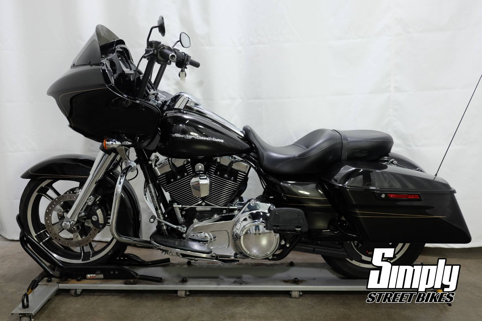 2016 Harley-Davidson Road Glide® Special in Eden Prairie, Minnesota - Photo 5