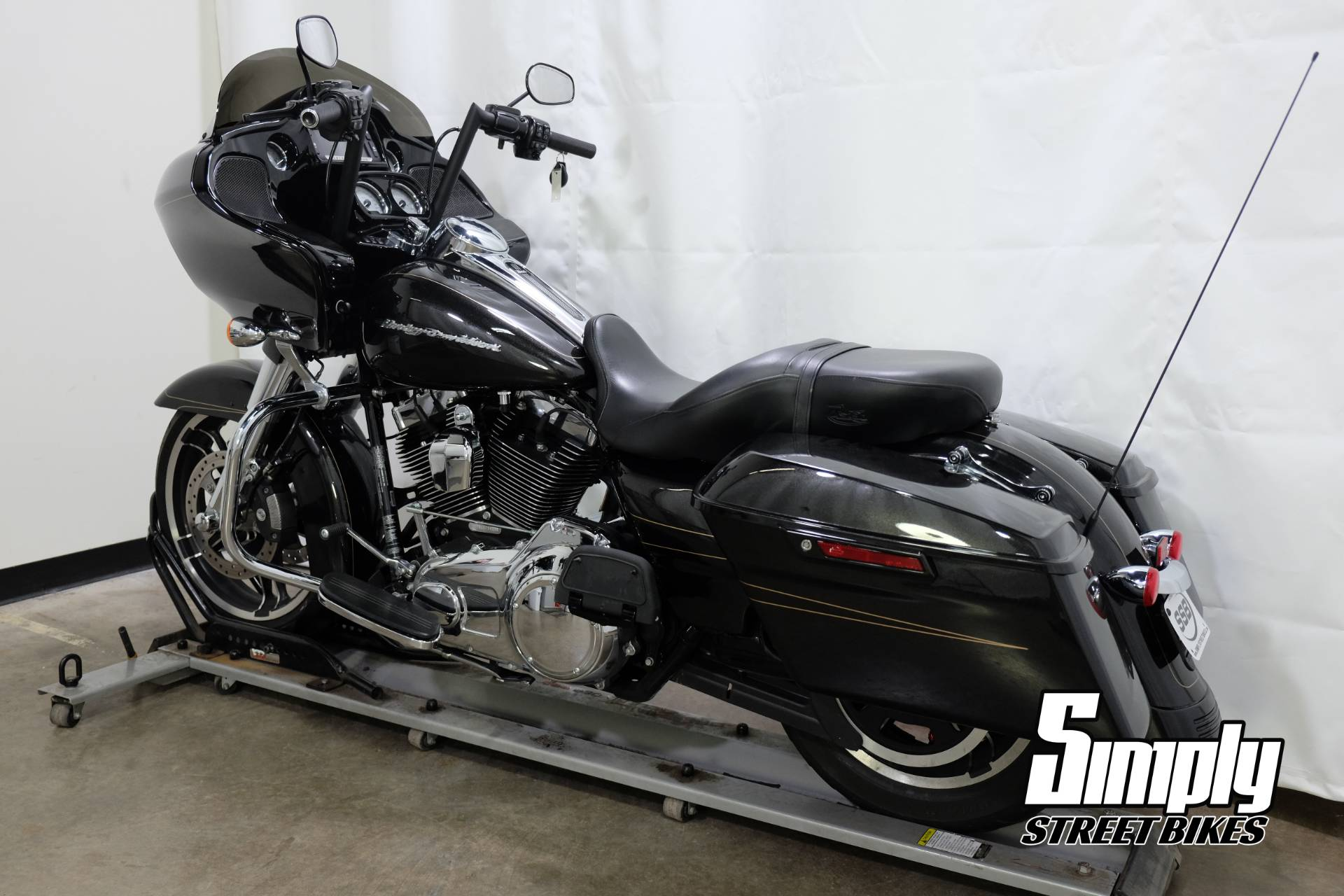 2016 Harley-Davidson Road Glide® Special in Eden Prairie, Minnesota - Photo 6
