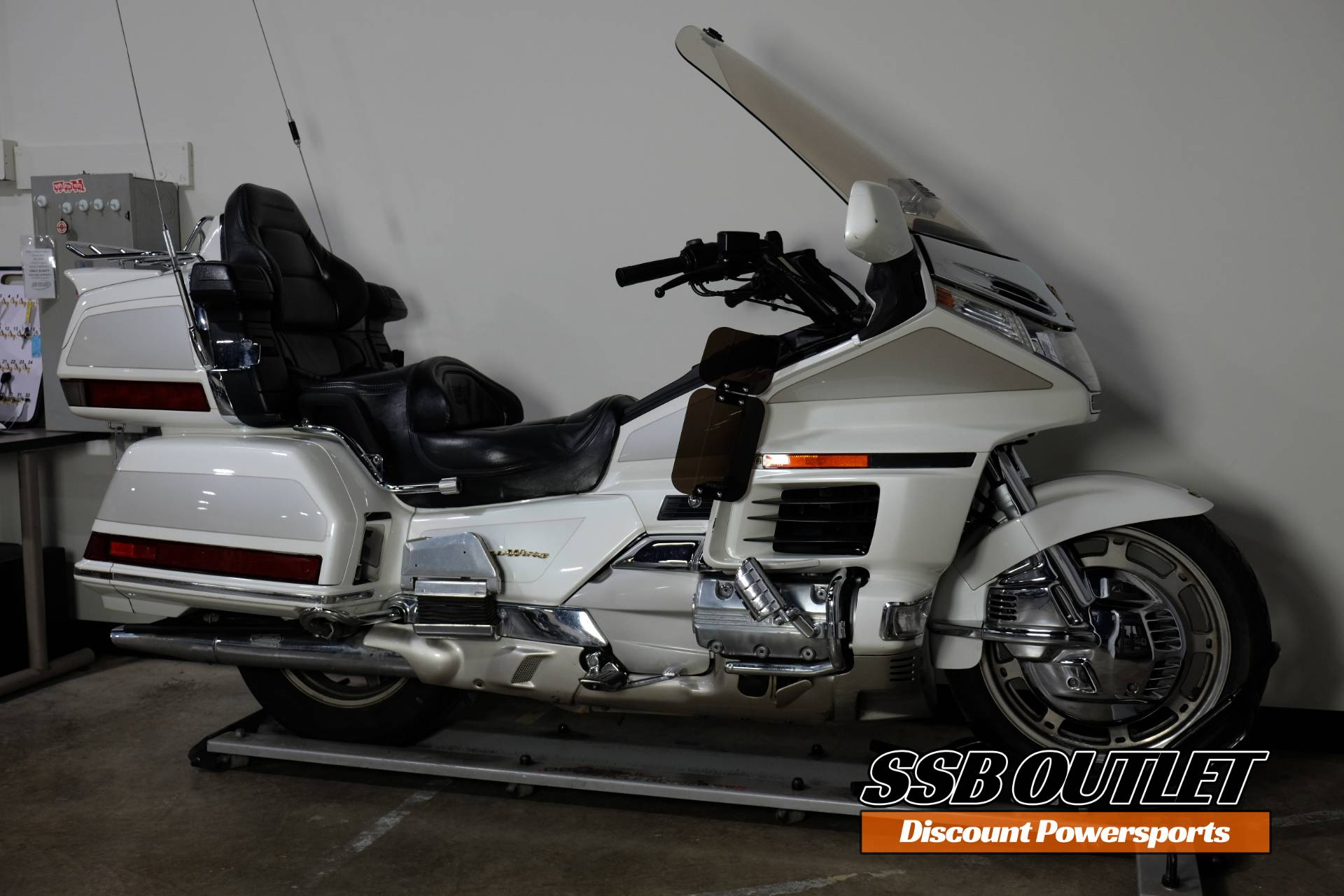 1999 Honda Gold Wing 1500 in Eden Prairie, Minnesota - Photo 2