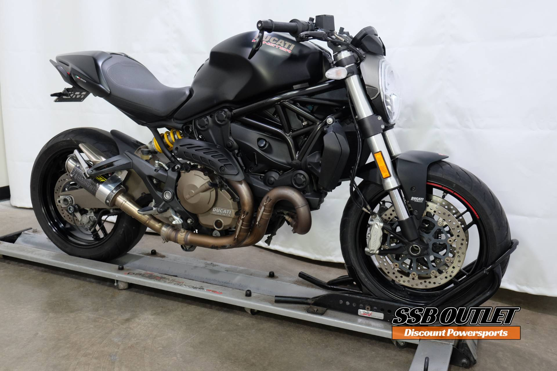 2015 Ducati Monster 821 Dark in Eden Prairie, Minnesota - Photo 2