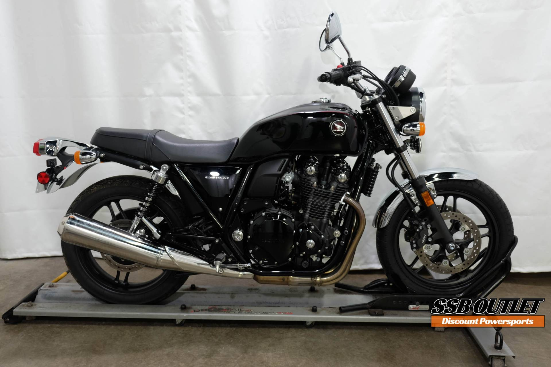 2014 Honda CB1100 in Eden Prairie, Minnesota - Photo 1