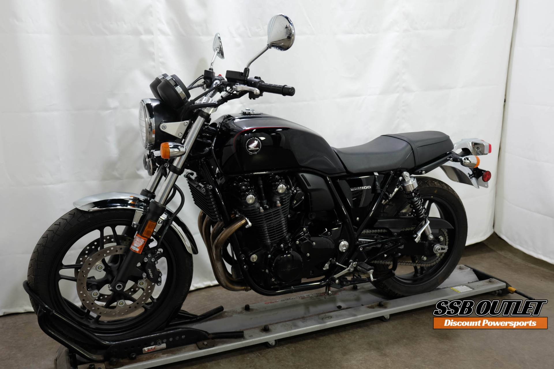 2014 Honda CB1100 in Eden Prairie, Minnesota - Photo 3