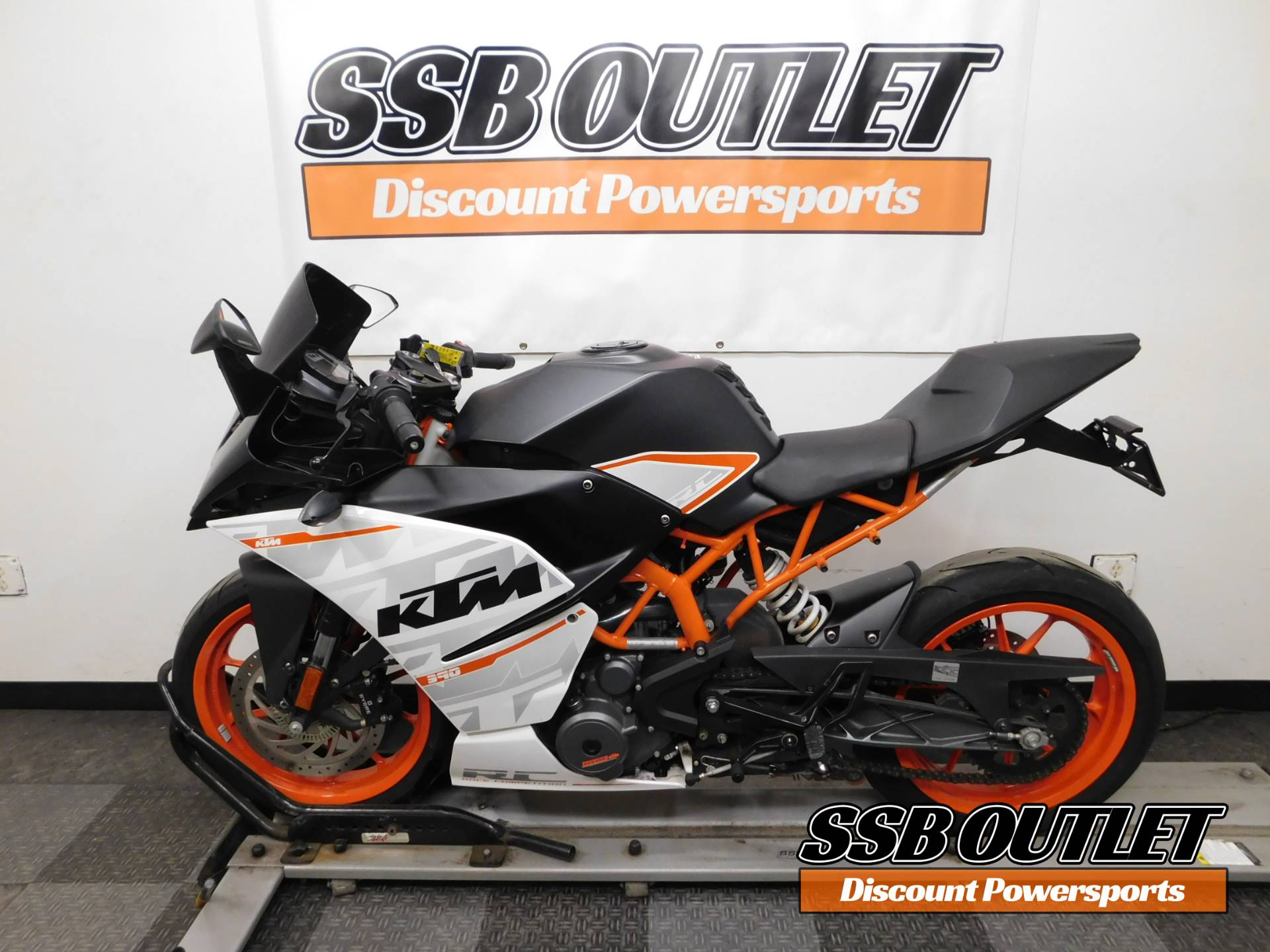 2015 KTM RC 390 in Eden Prairie, Minnesota - Photo 4