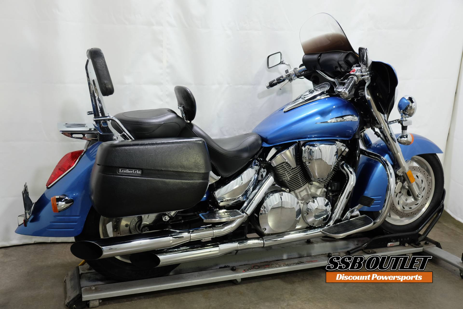 2007 Honda VTX™1300R in Eden Prairie, Minnesota - Photo 6
