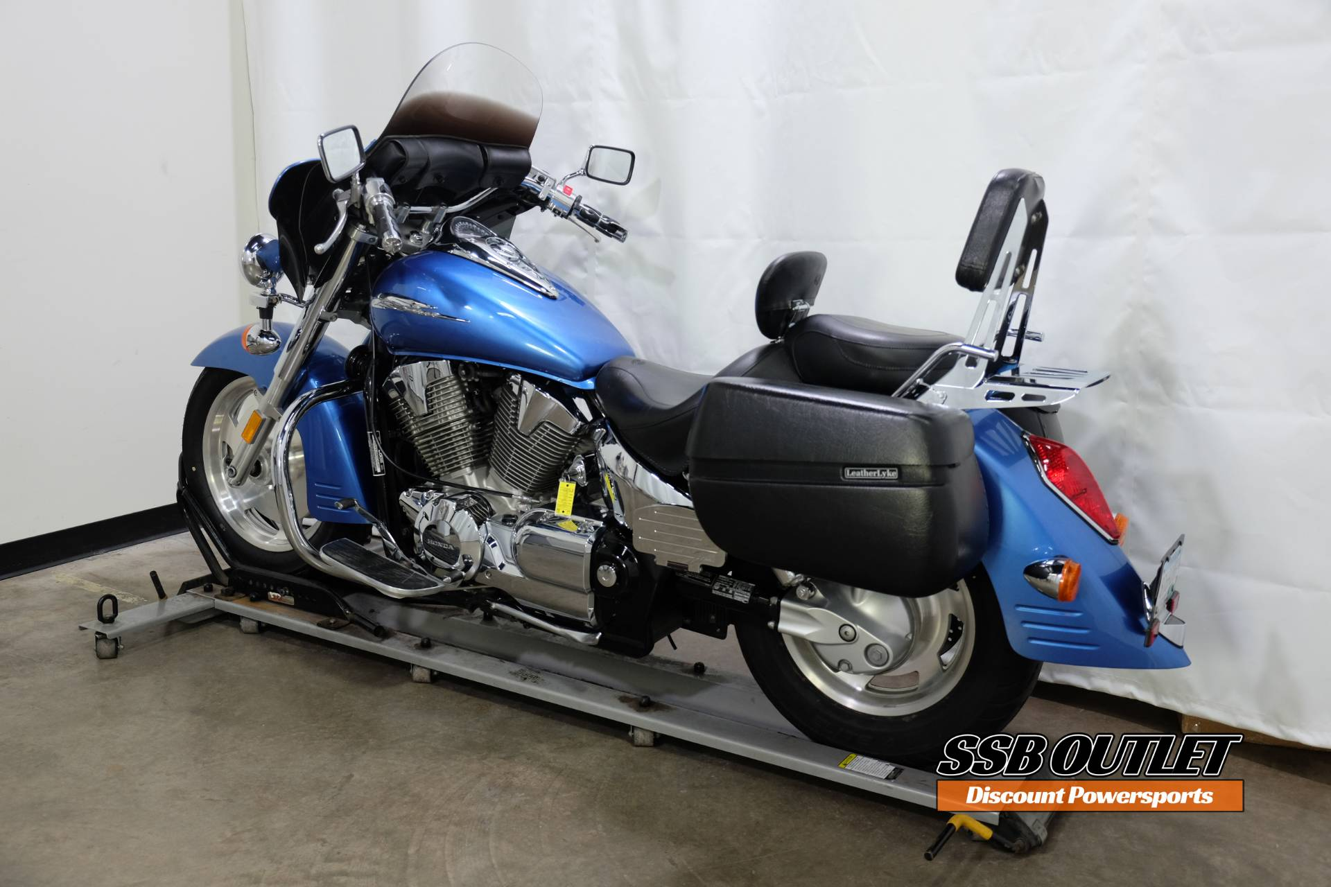 2007 Honda VTX™1300R in Eden Prairie, Minnesota - Photo 5