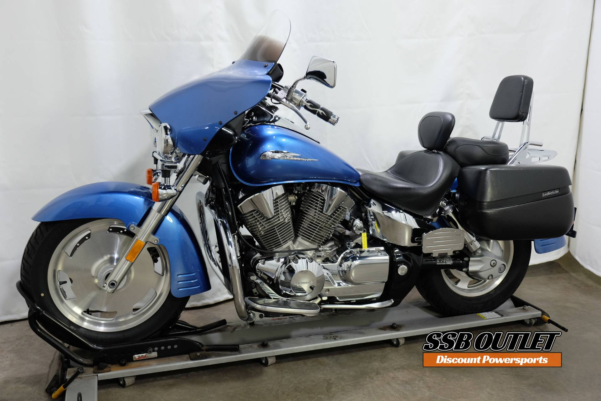 2007 Honda VTX™1300R in Eden Prairie, Minnesota - Photo 3