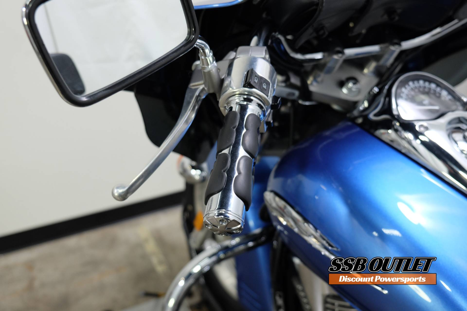 2007 Honda VTX™1300R in Eden Prairie, Minnesota - Photo 21