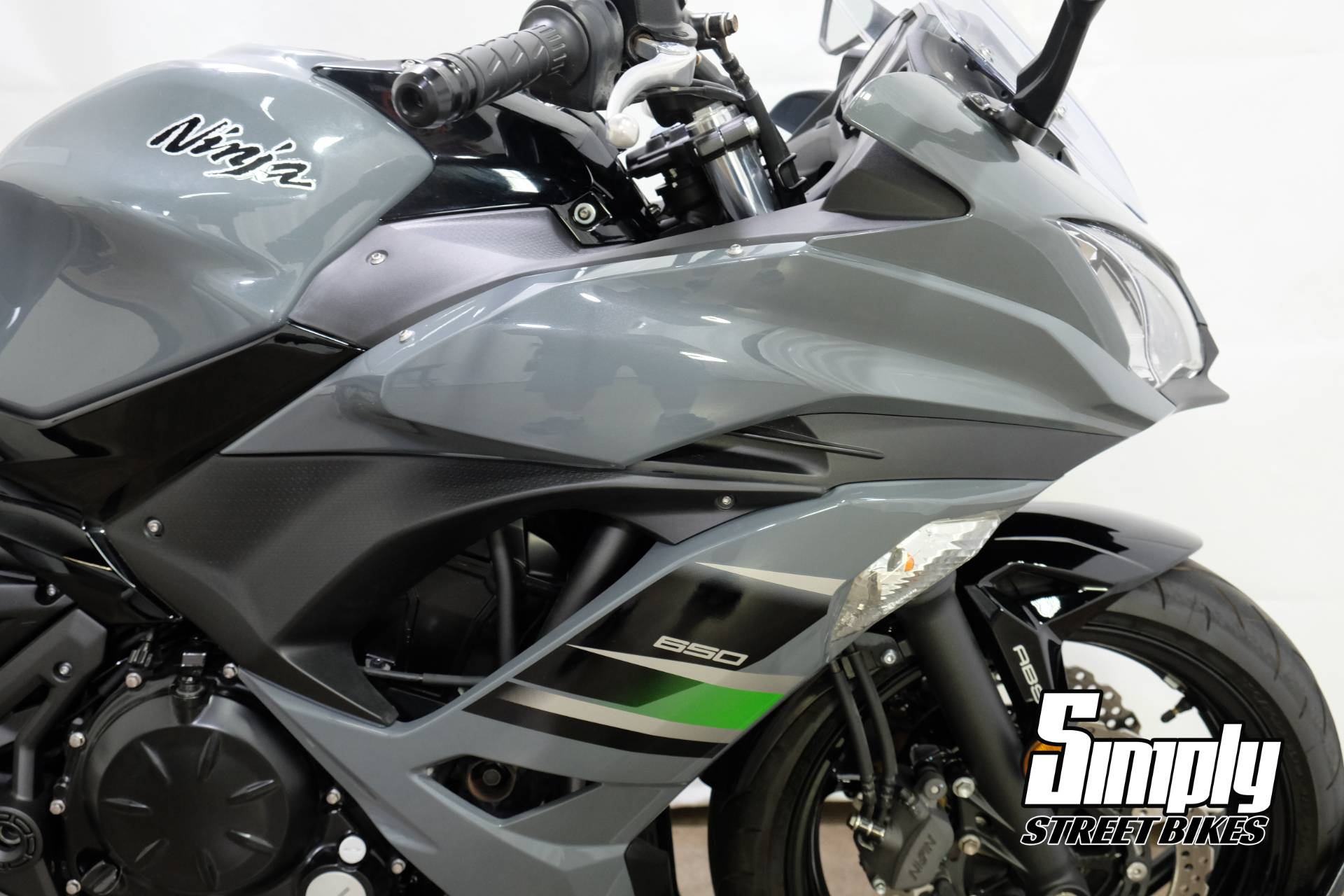 2018 Kawasaki Ninja 650 ABS in Eden Prairie, Minnesota - Photo 14