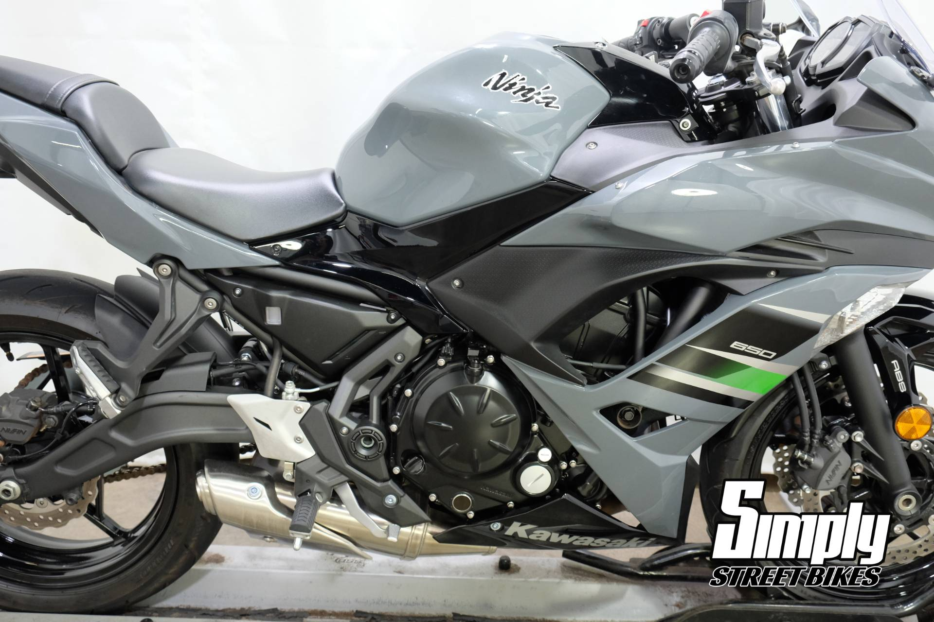2018 Kawasaki Ninja 650 ABS in Eden Prairie, Minnesota - Photo 18