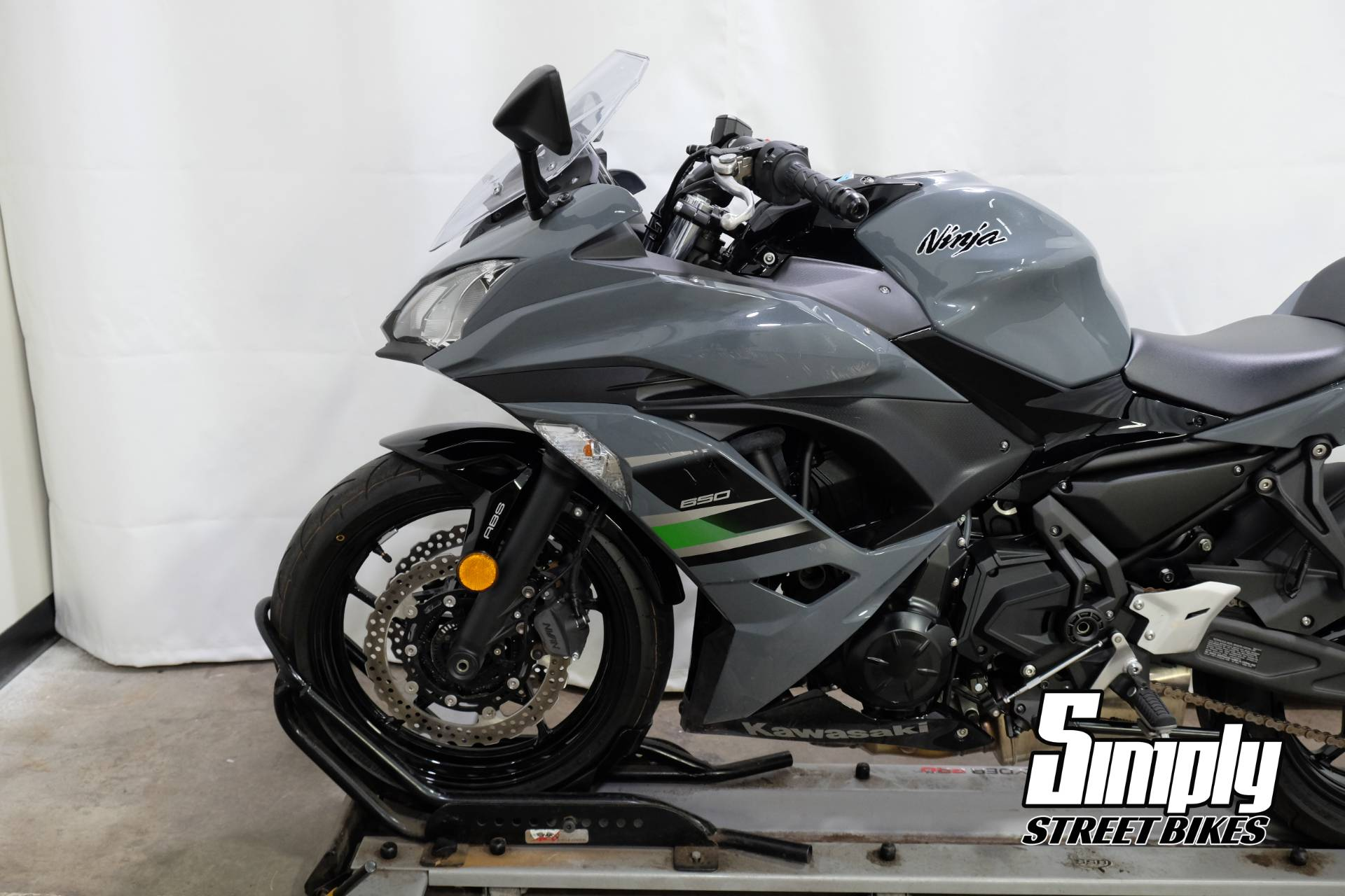 2018 Kawasaki Ninja 650 ABS in Eden Prairie, Minnesota - Photo 28