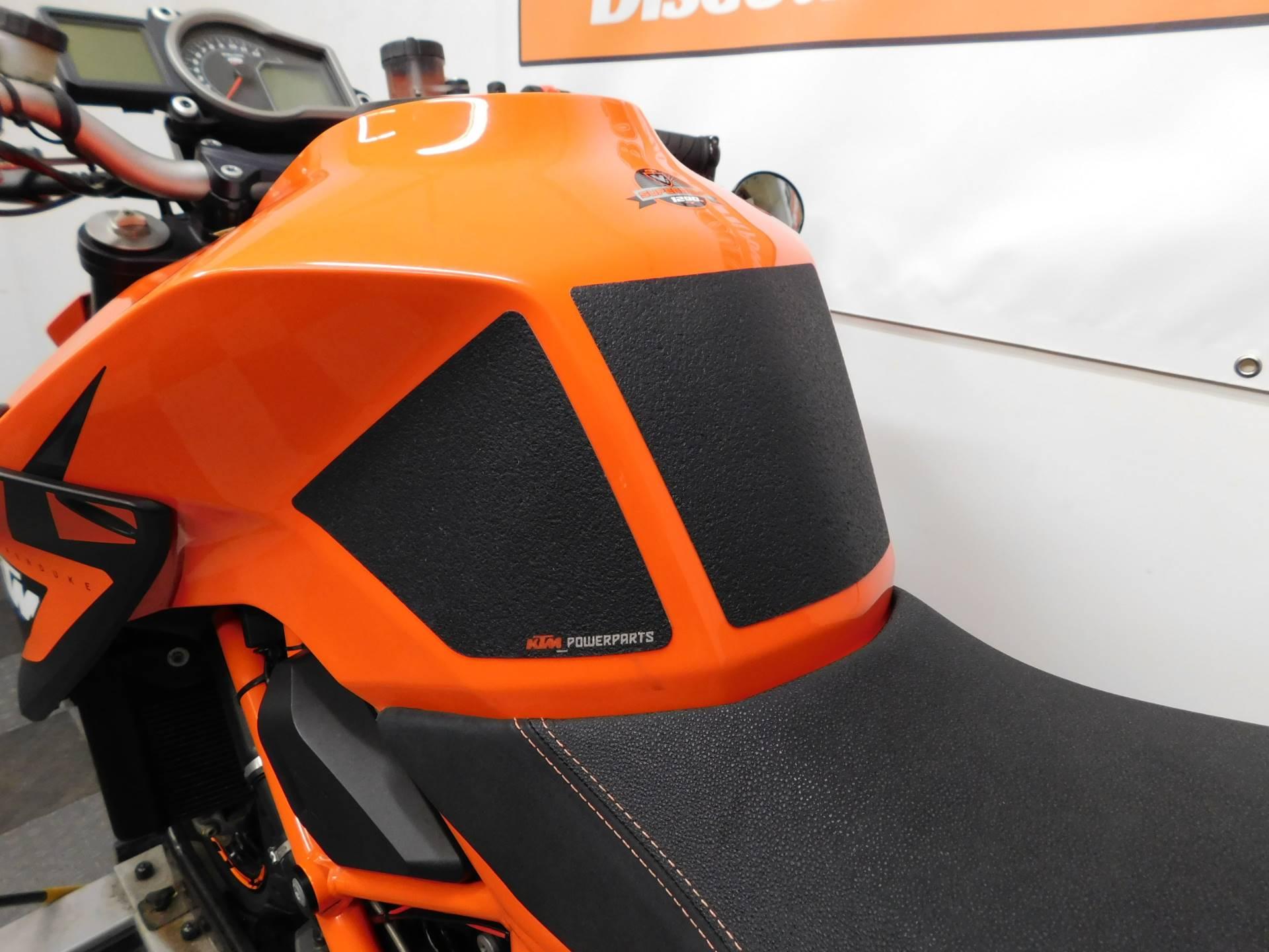2015 KTM 1290 Super Duke R 9