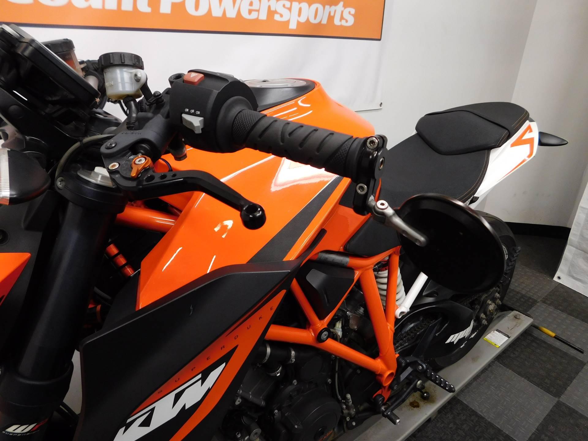 2015 KTM 1290 Super Duke R 10