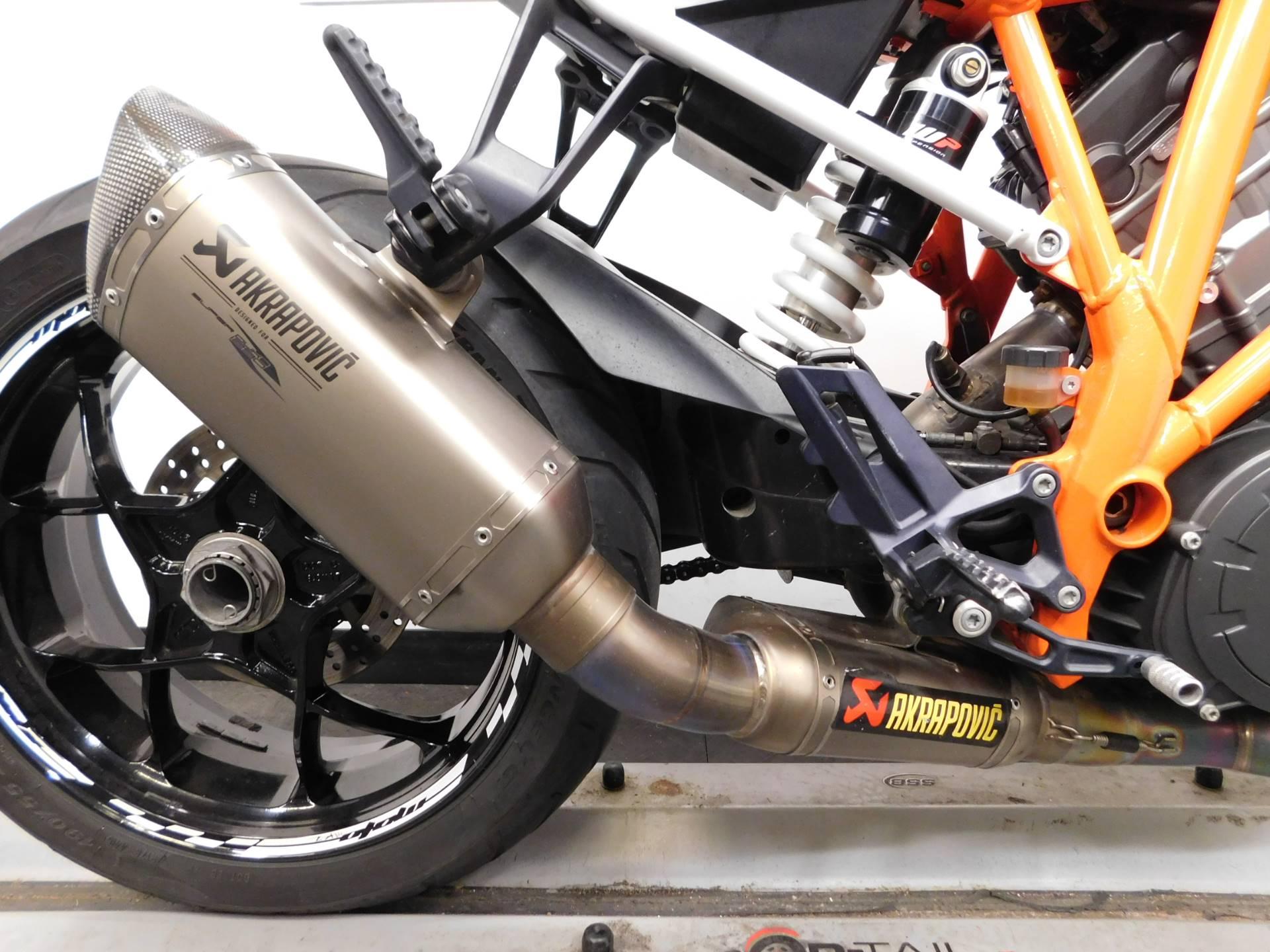 2015 KTM 1290 Super Duke R 11