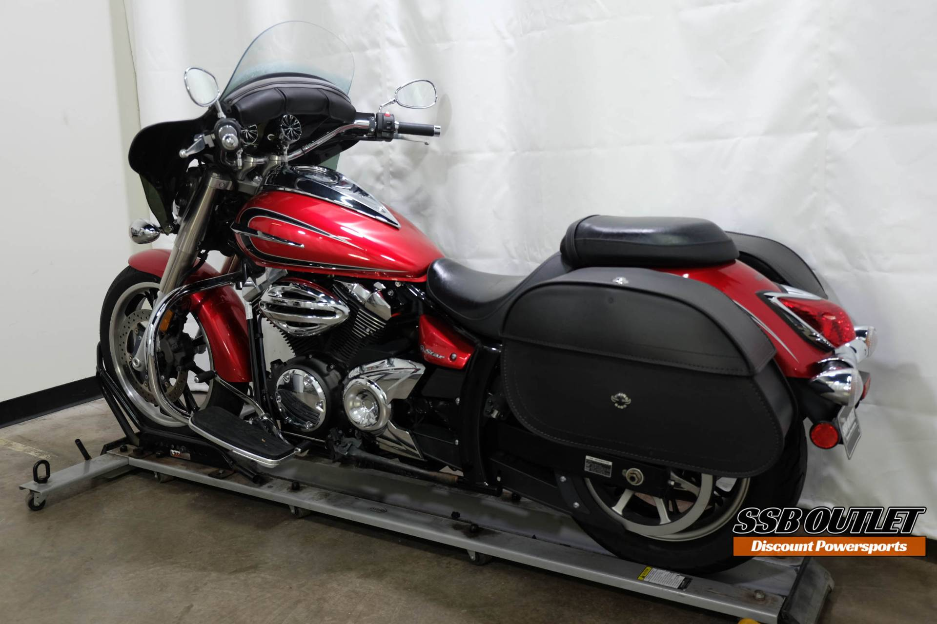 2012 Yamaha V Star 950 in Eden Prairie, Minnesota - Photo 5
