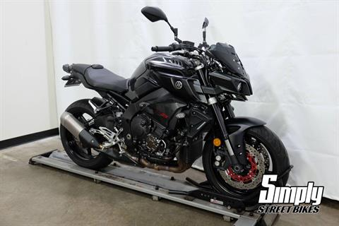 2017 Yamaha FZ-10 in Eden Prairie, Minnesota - Photo 2