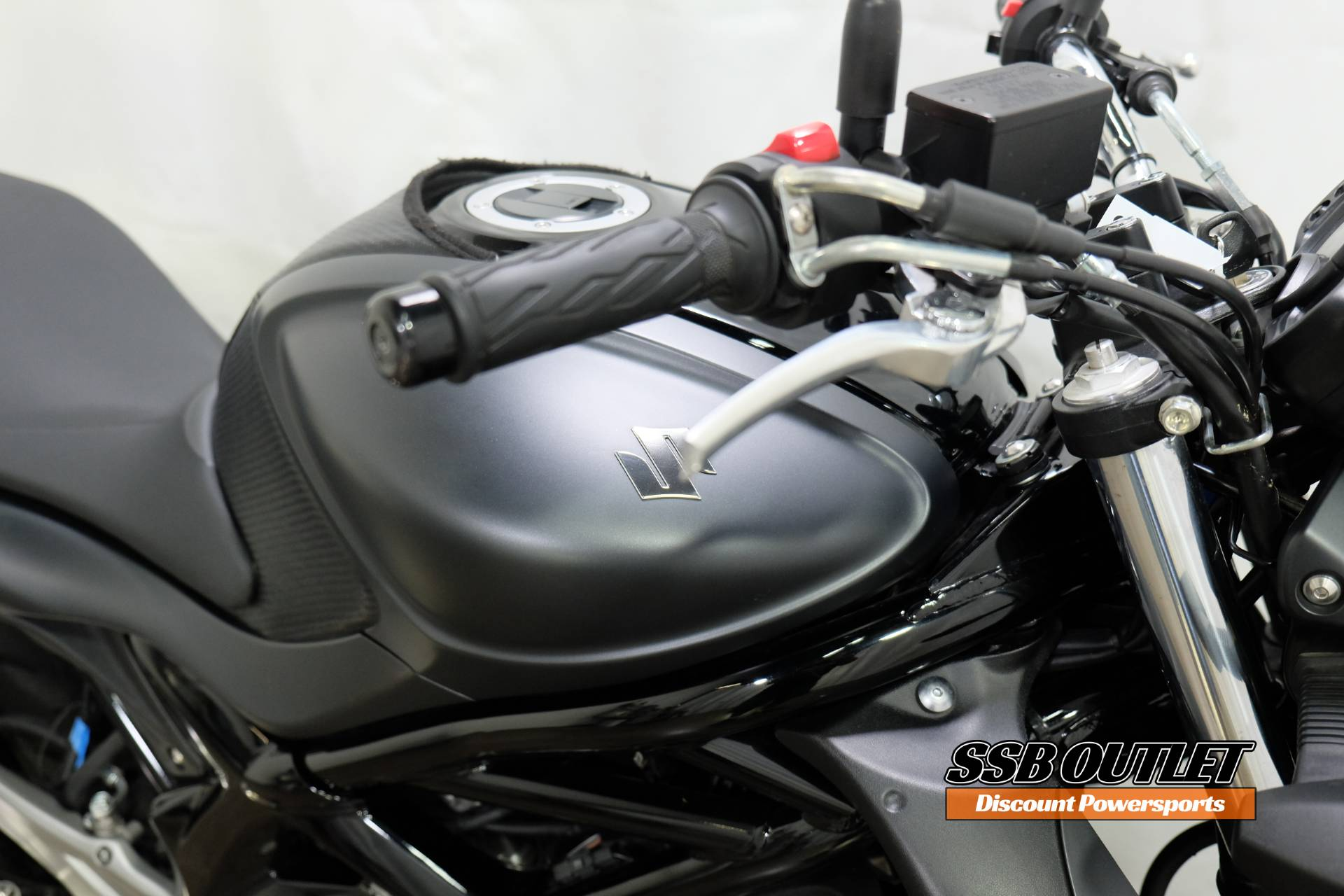 2013 Suzuki SFV650 in Eden Prairie, Minnesota - Photo 8