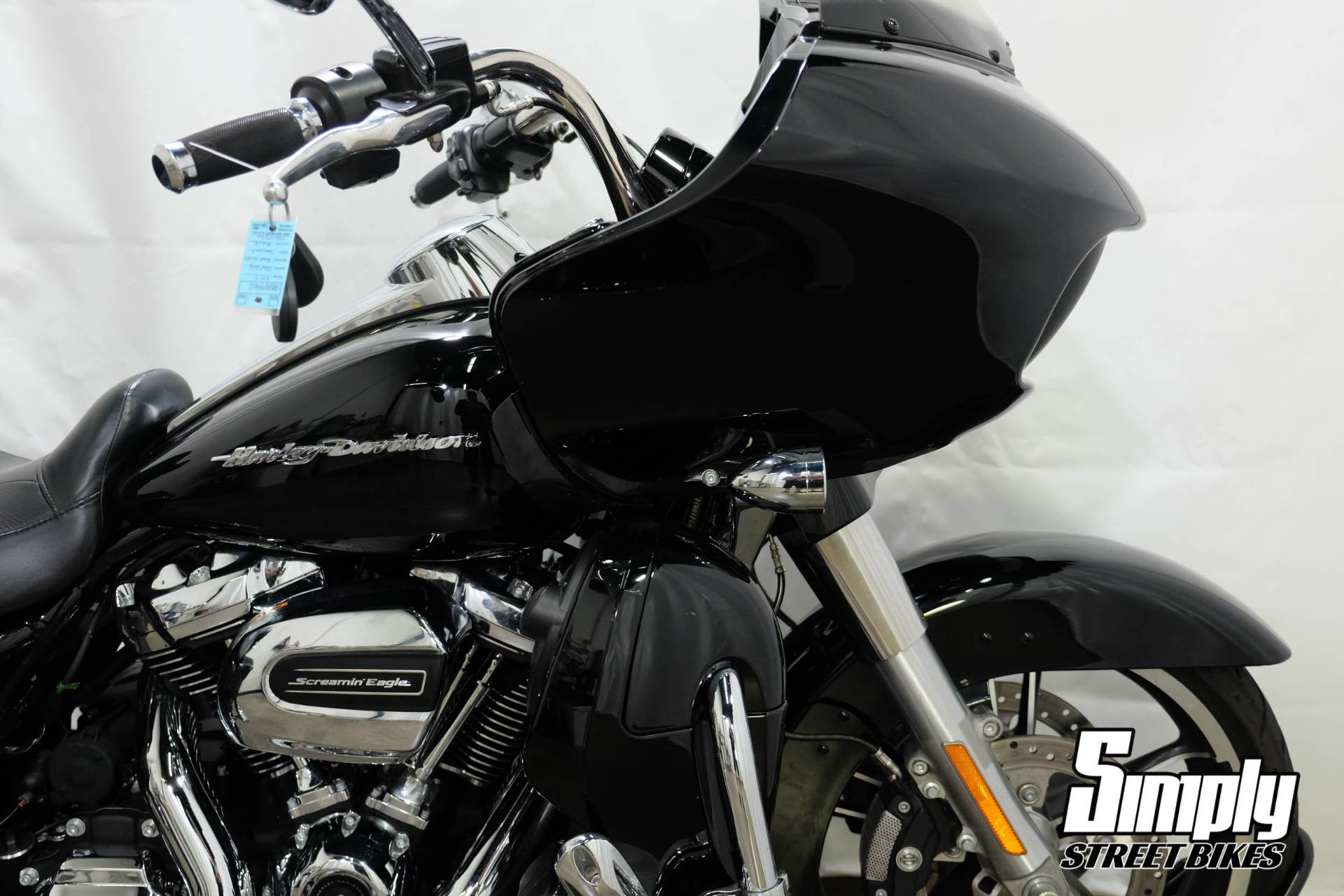 2017 Harley-Davidson Road Glide® Special in Eden Prairie, Minnesota - Photo 10