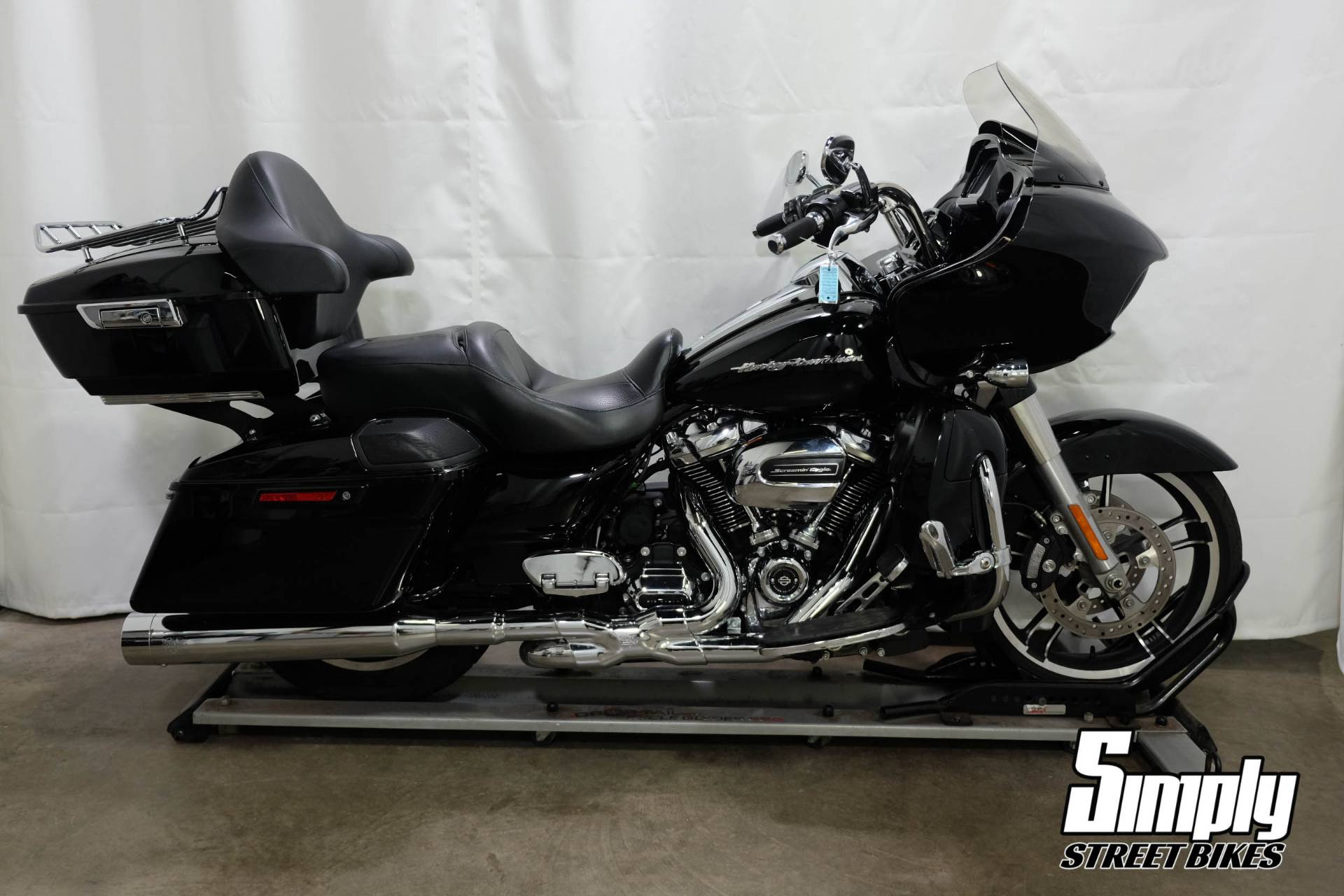 2017 Harley-Davidson Road Glide® Special in Eden Prairie, Minnesota - Photo 1