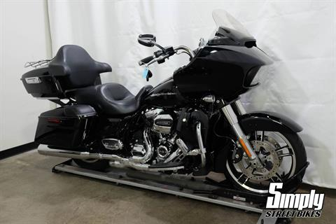 2017 Harley-Davidson Road Glide® Special in Eden Prairie, Minnesota - Photo 2