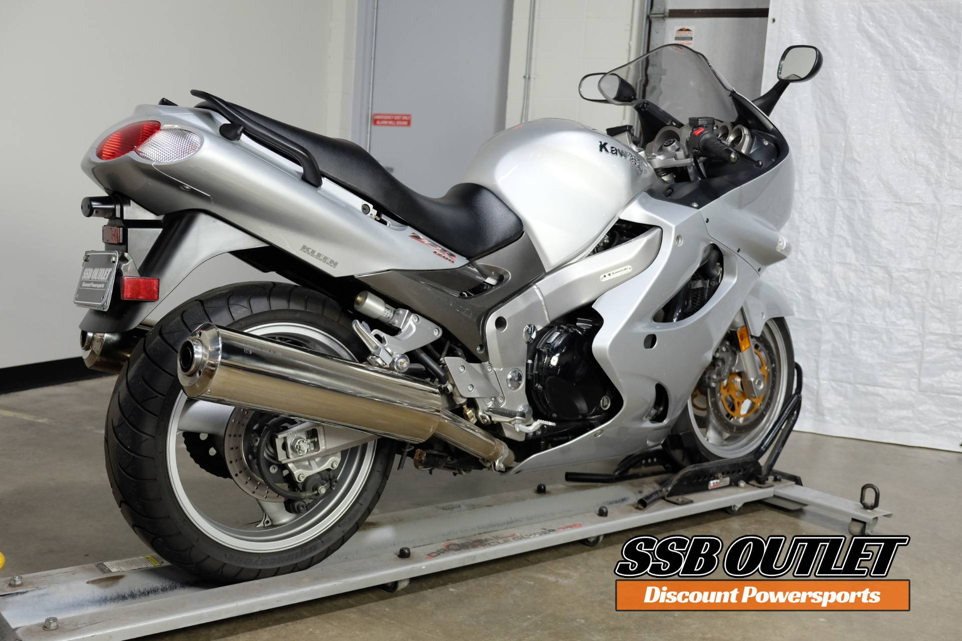 2002 Kawasaki Ninja® ZZ-R1200 in Eden Prairie, Minnesota - Photo 6