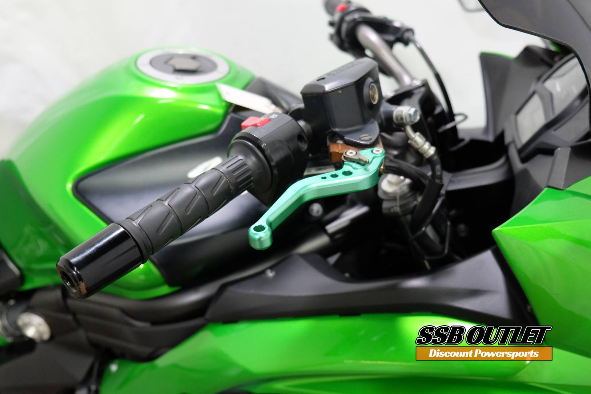 2015 Kawasaki Ninja® 650 in Eden Prairie, Minnesota - Photo 11