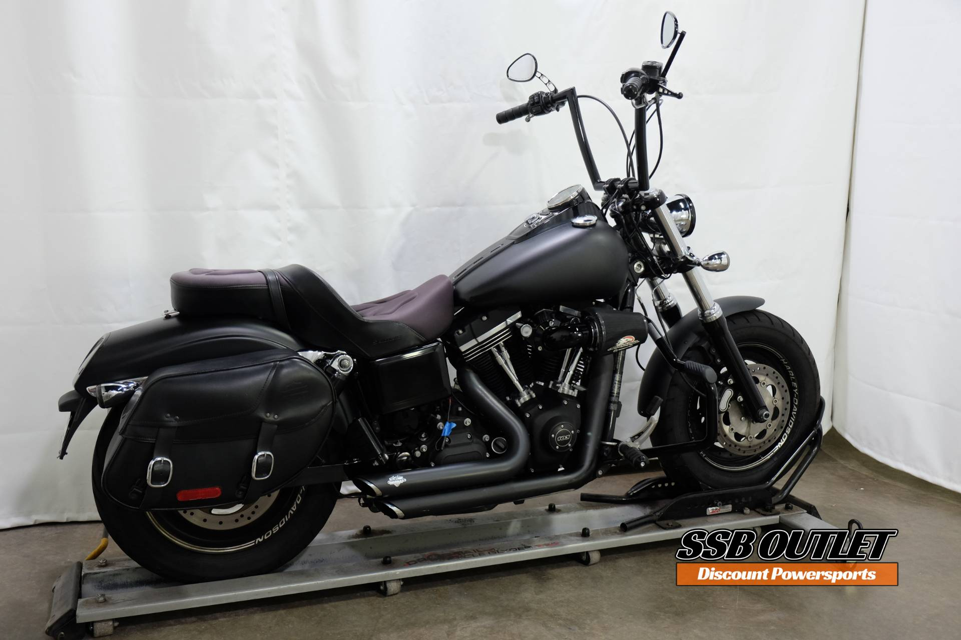 2014 Harley-Davidson Dyna® Fat Bob® in Eden Prairie, Minnesota - Photo 6