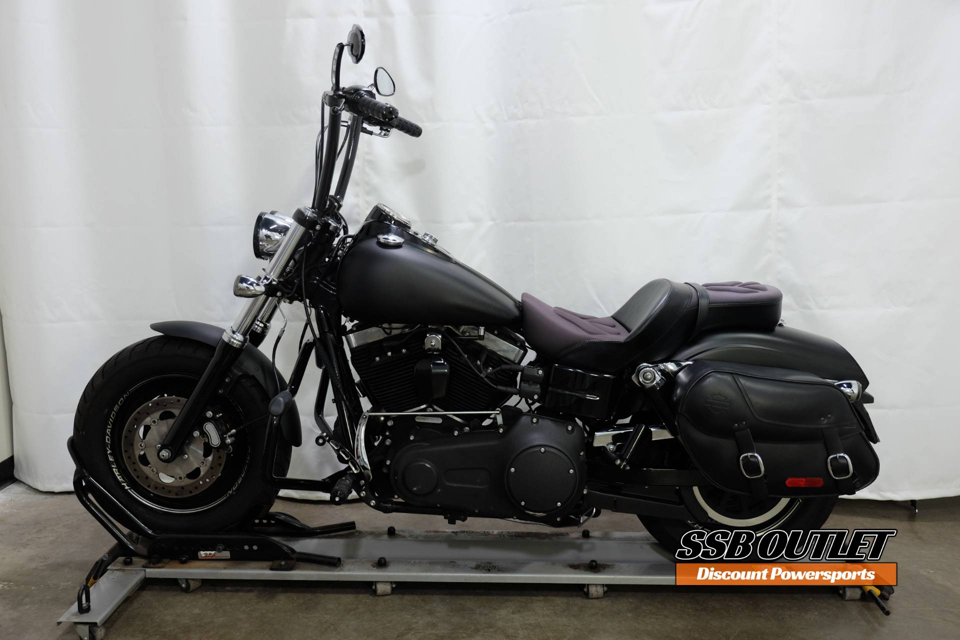 2014 Harley-Davidson Dyna® Fat Bob® in Eden Prairie, Minnesota - Photo 4