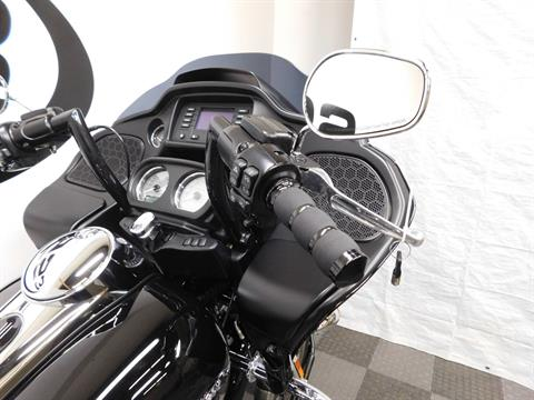2018 Harley-Davidson Road Glide® in Eden Prairie, Minnesota - Photo 11