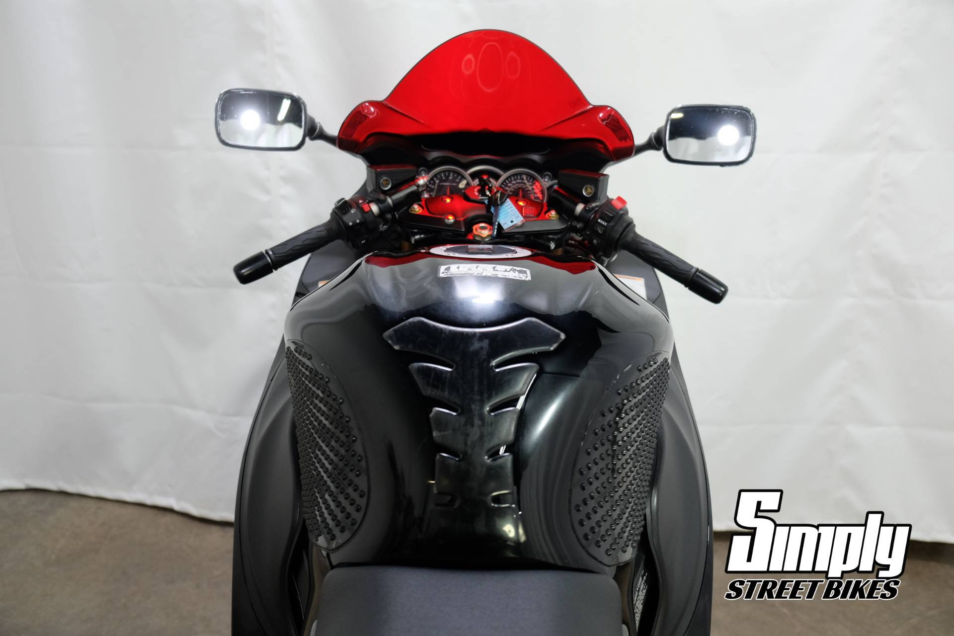 2011 Suzuki Hayabusa in Eden Prairie, Minnesota - Photo 23