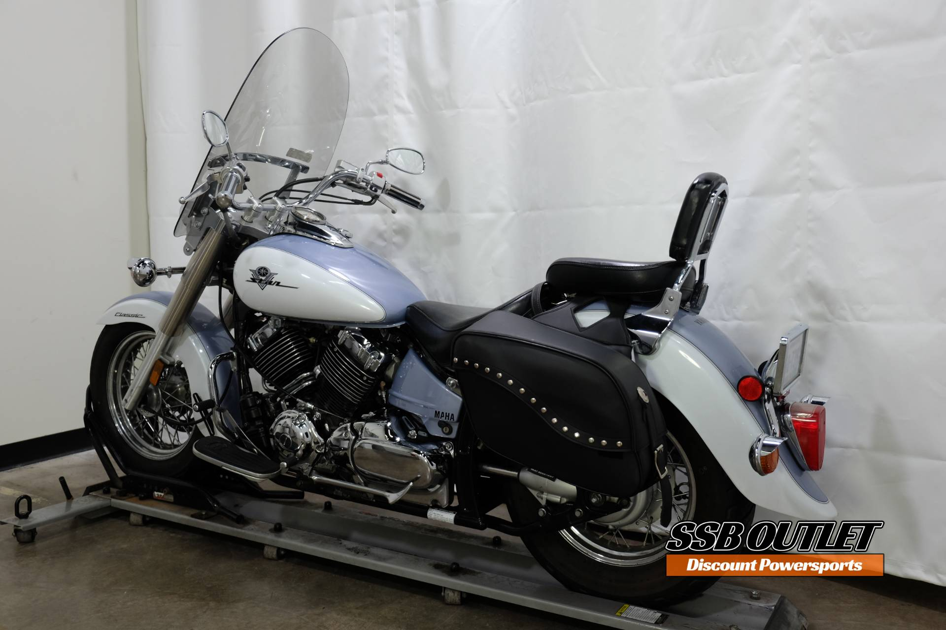 2002 Yamaha Vstar Classic in Eden Prairie, Minnesota - Photo 5