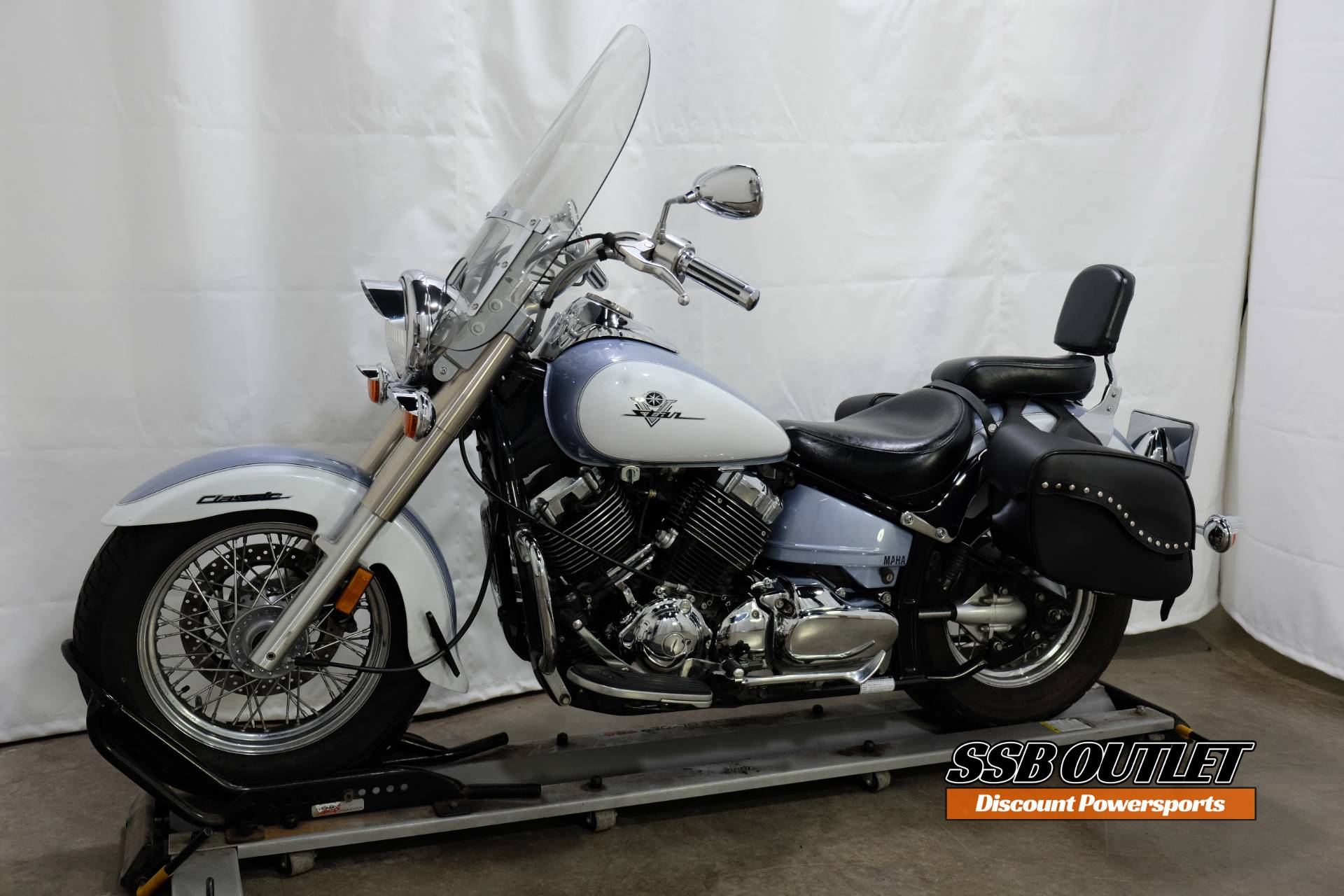 2002 Yamaha Vstar Classic in Eden Prairie, Minnesota - Photo 3