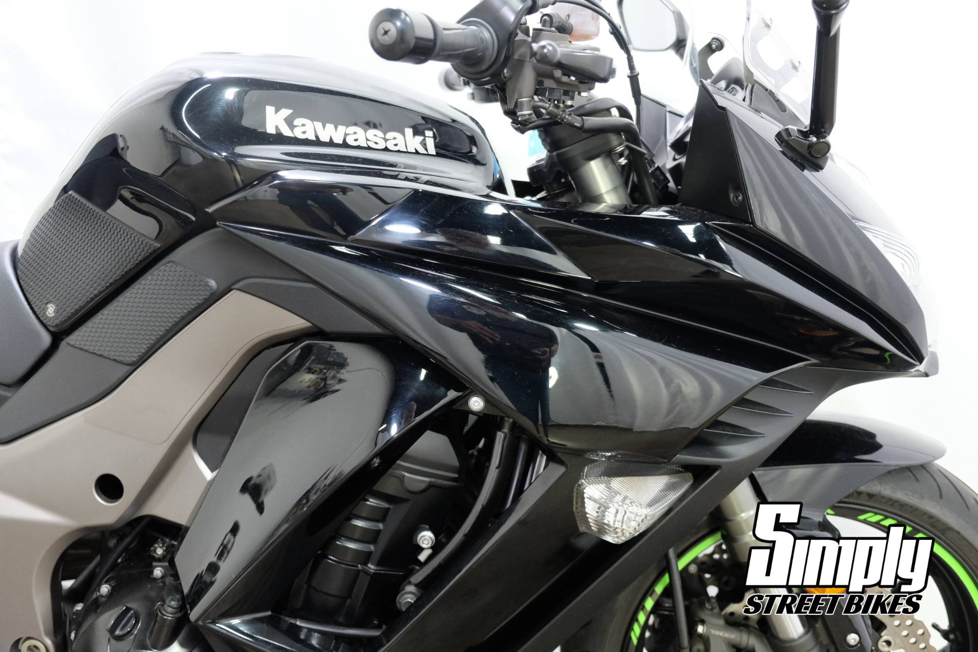 2011 Kawasaki Ninja® 1000 in Eden Prairie, Minnesota - Photo 12