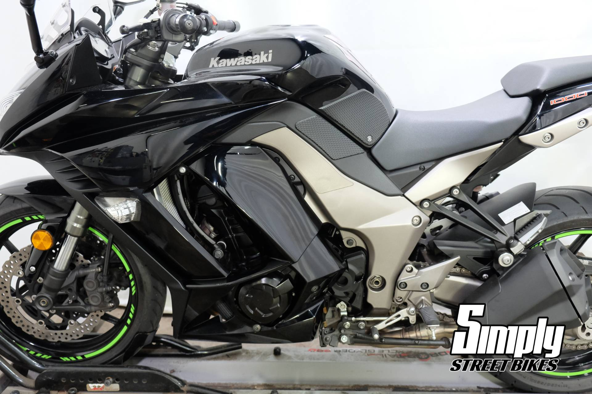 2011 Kawasaki Ninja® 1000 in Eden Prairie, Minnesota - Photo 26