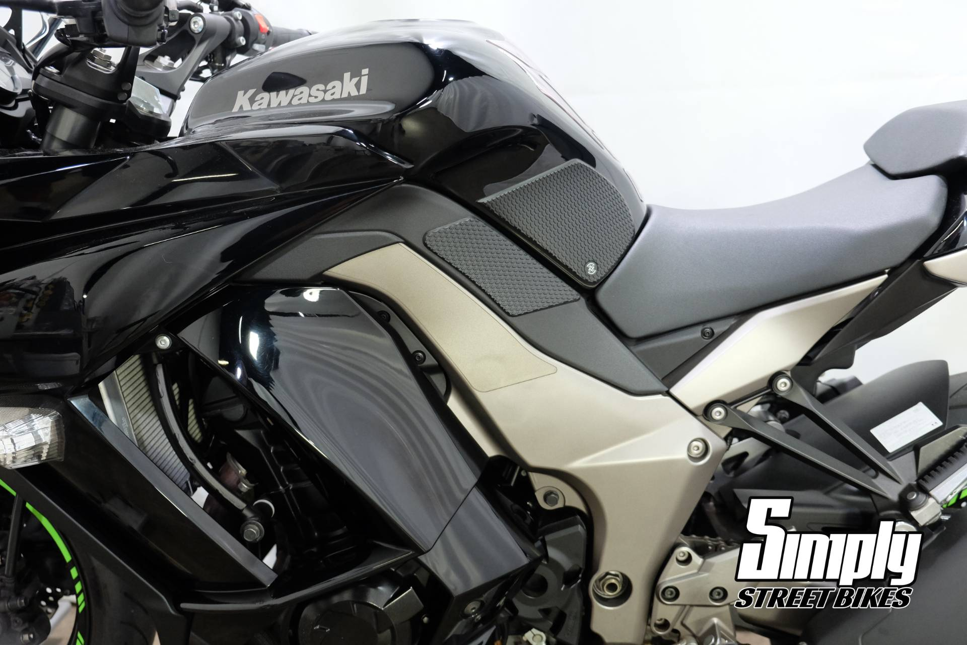 2011 Kawasaki Ninja® 1000 in Eden Prairie, Minnesota - Photo 29
