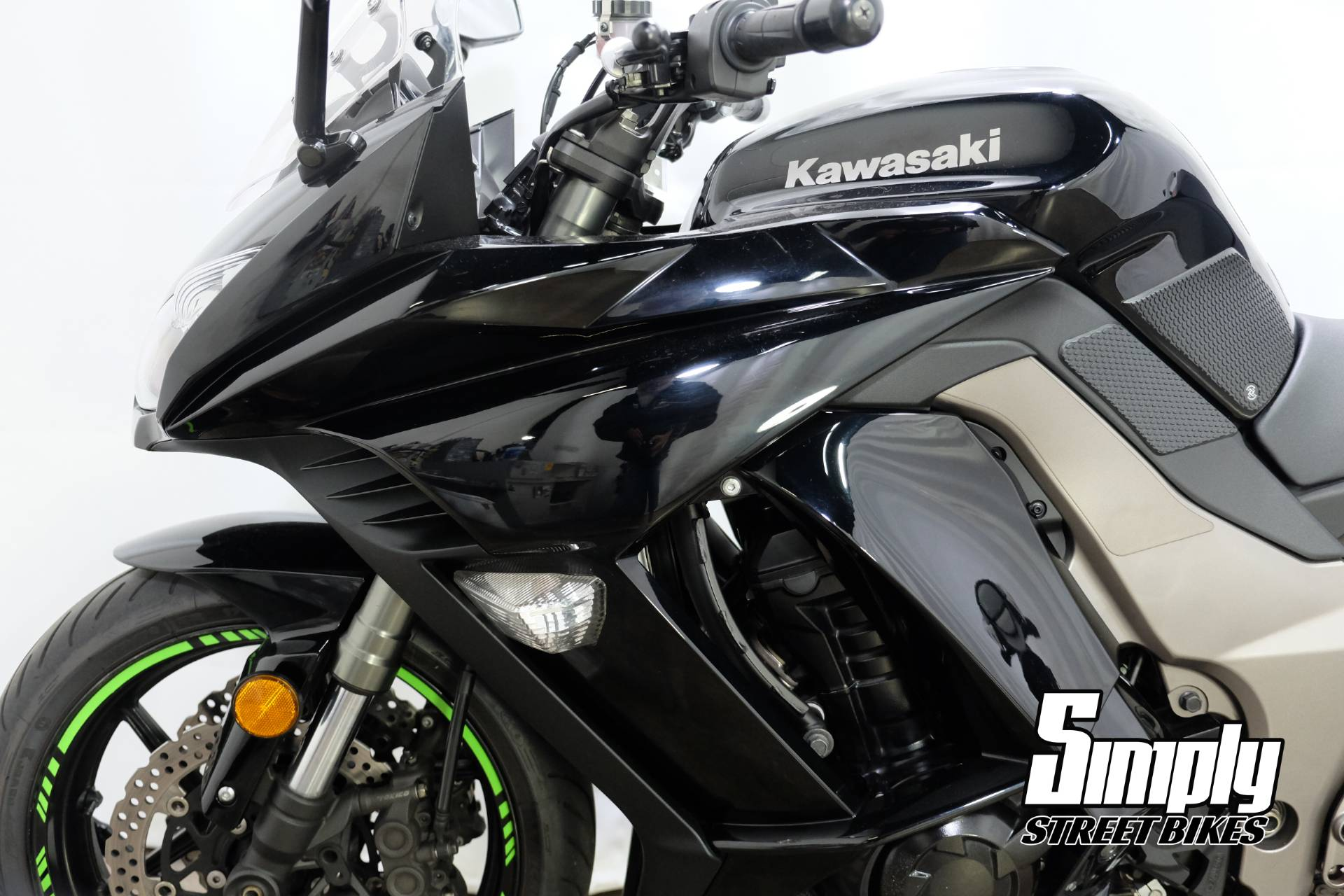 2011 Kawasaki Ninja® 1000 in Eden Prairie, Minnesota - Photo 30