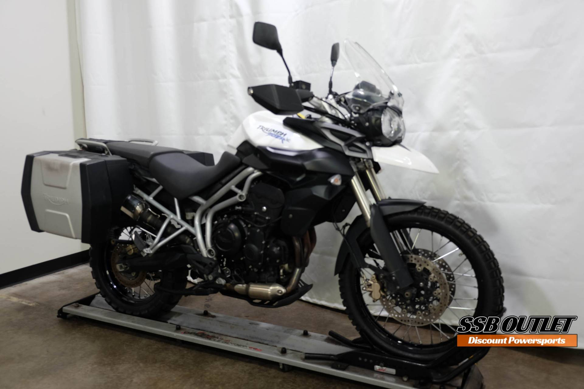 2011 Triumph Tiger 800 XC in Eden Prairie, Minnesota - Photo 2