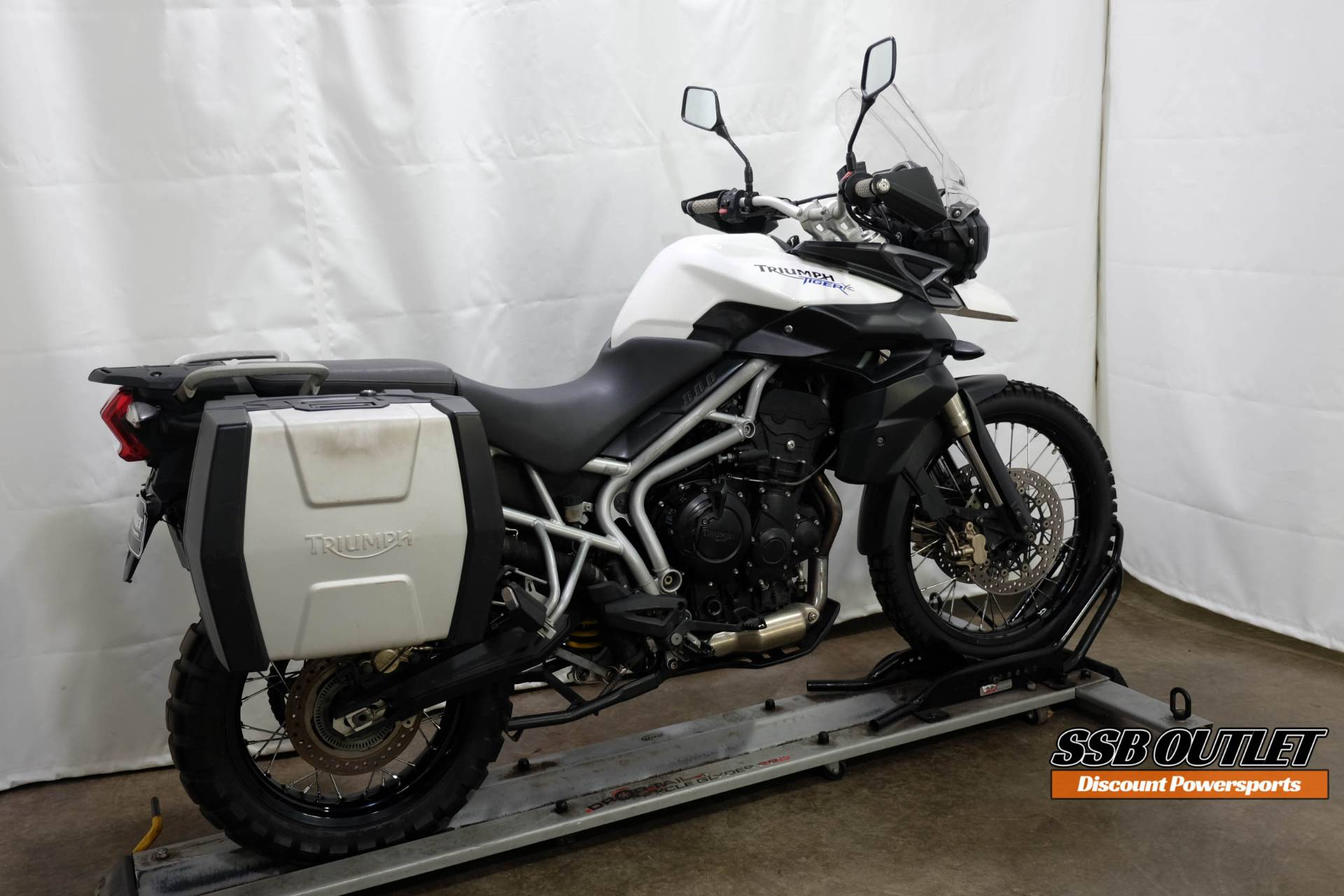 2011 Triumph Tiger 800 XC in Eden Prairie, Minnesota - Photo 6