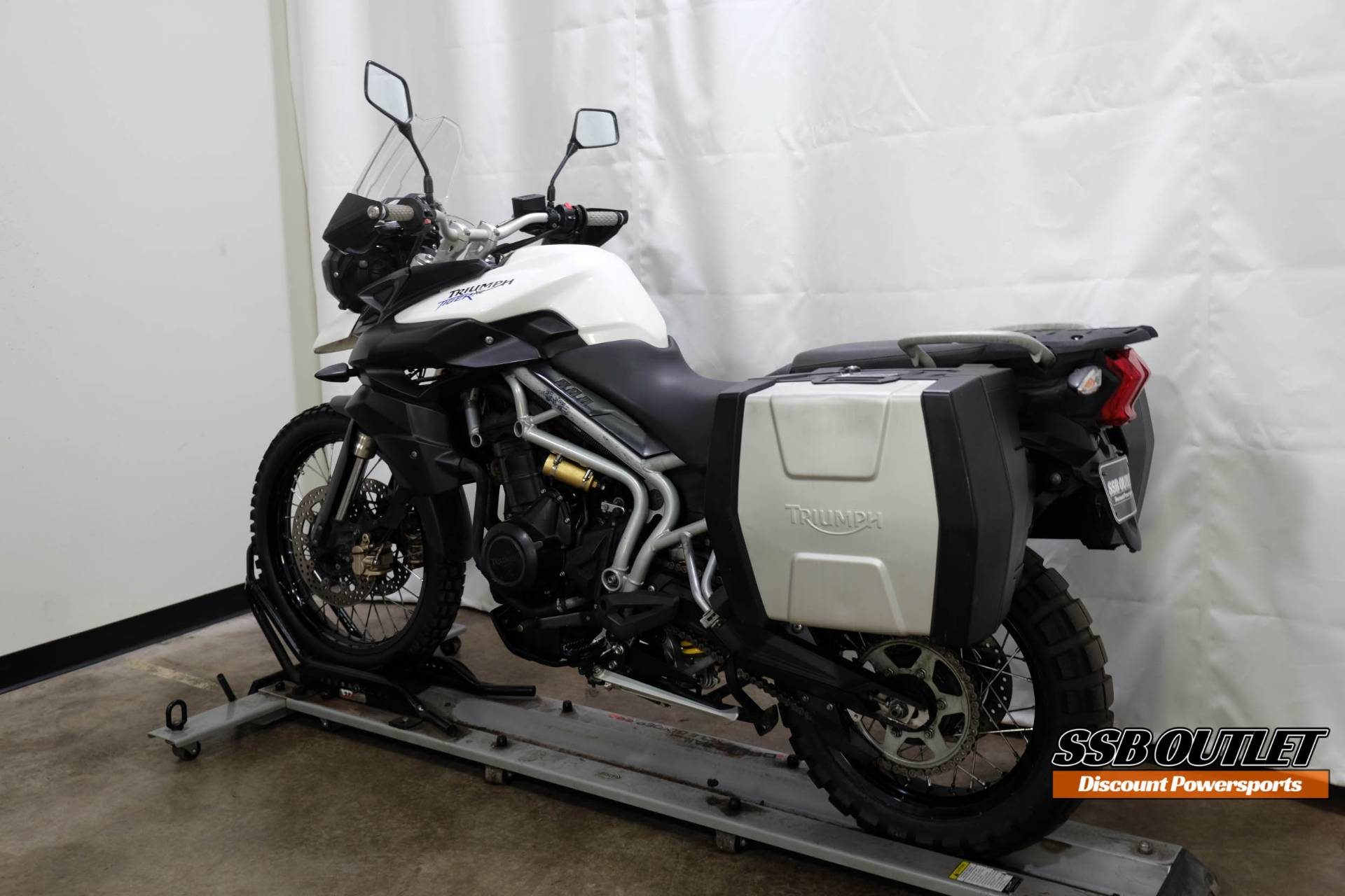 2011 Triumph Tiger 800 XC in Eden Prairie, Minnesota - Photo 5