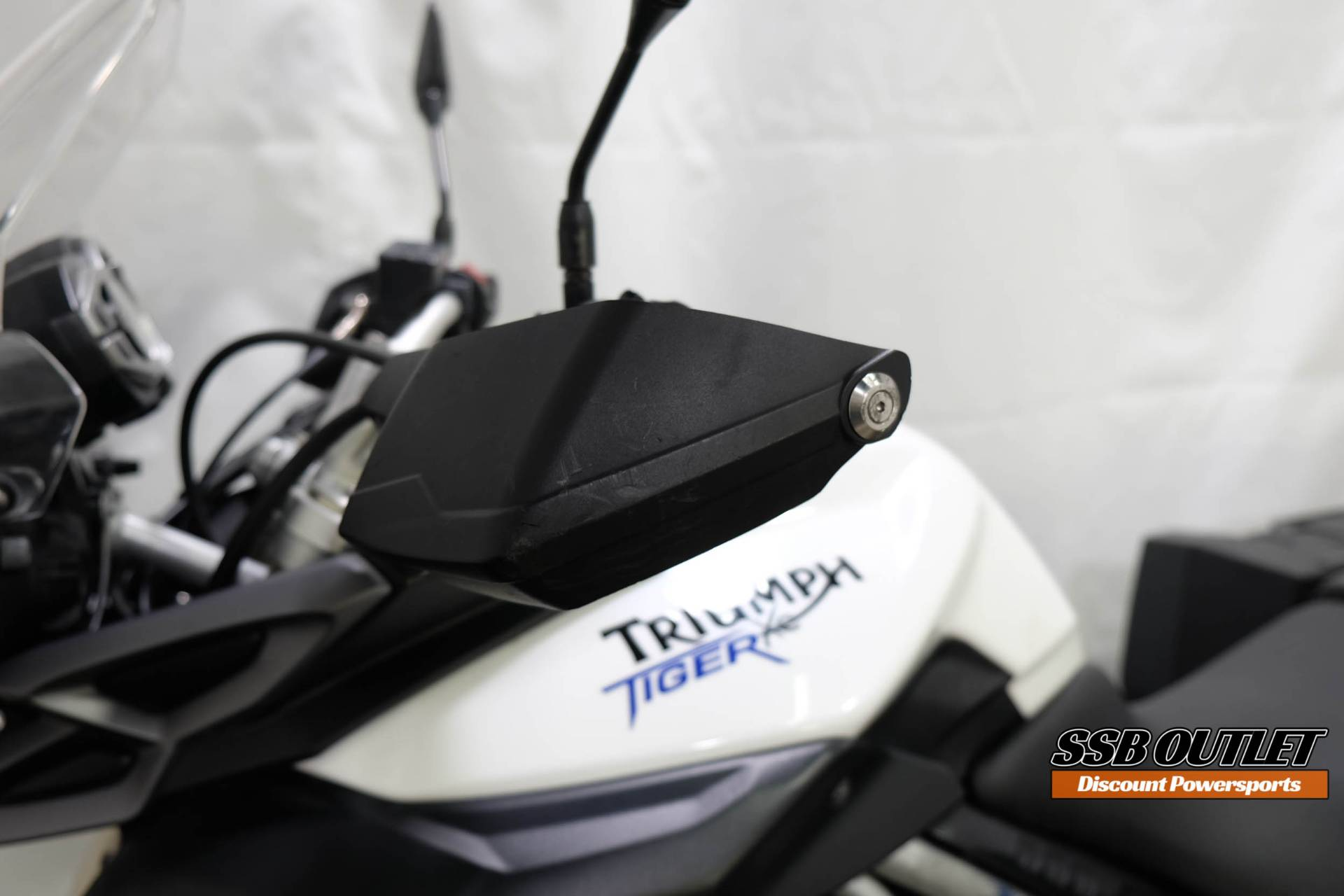 2011 Triumph Tiger 800 XC in Eden Prairie, Minnesota - Photo 12