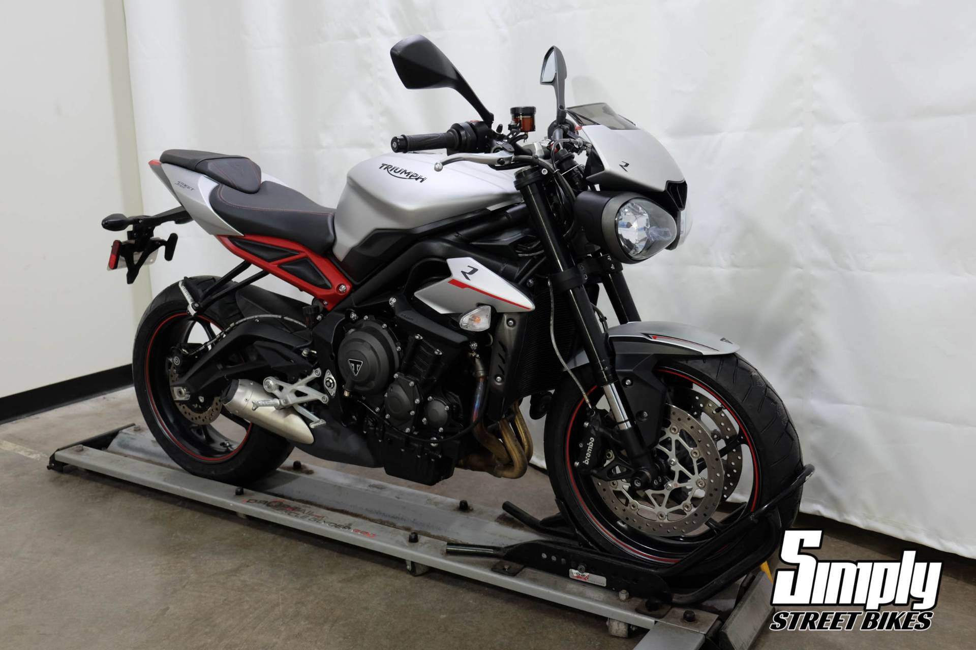 2018 Triumph Street Triple R in Eden Prairie, Minnesota - Photo 2