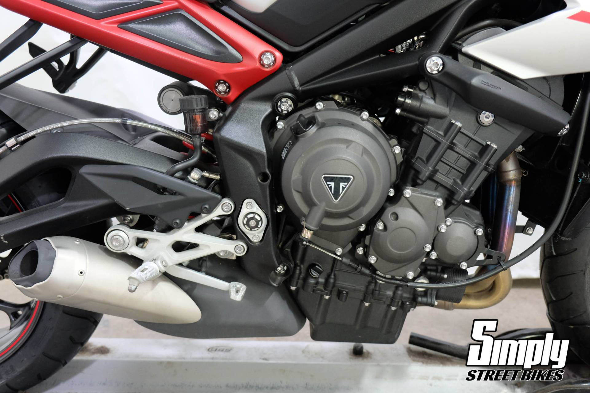 2018 Triumph Street Triple R in Eden Prairie, Minnesota - Photo 16