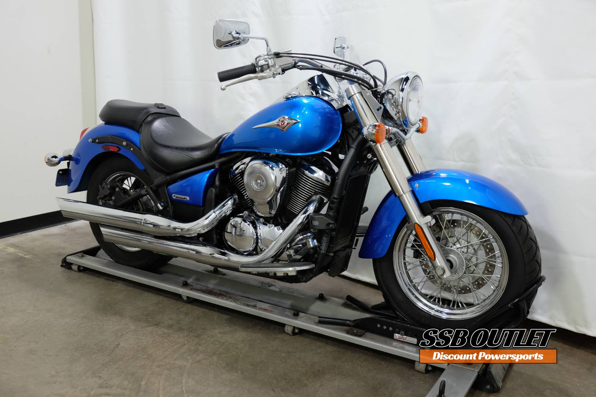 2009 Kawasaki Vulcan® 900 Classic in Eden Prairie, Minnesota - Photo 2