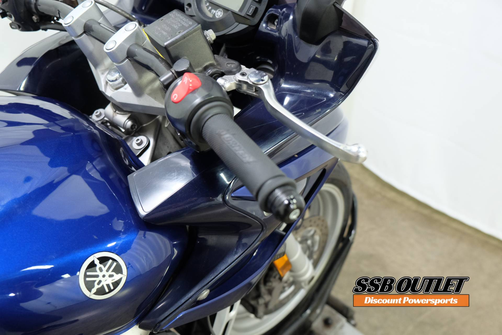 2005 Yamaha FZ6 in Eden Prairie, Minnesota - Photo 10