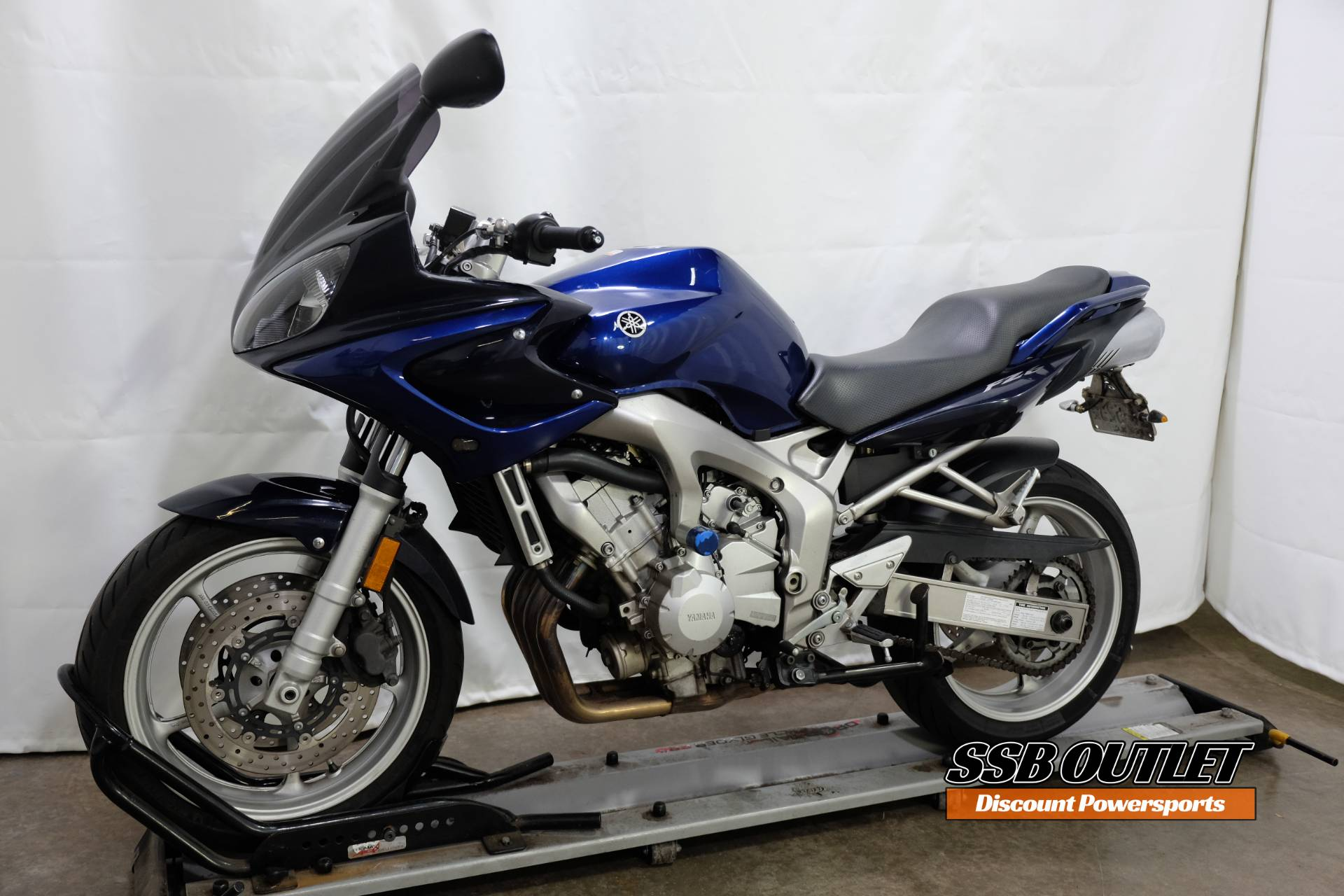 2005 Yamaha FZ6 in Eden Prairie, Minnesota - Photo 3