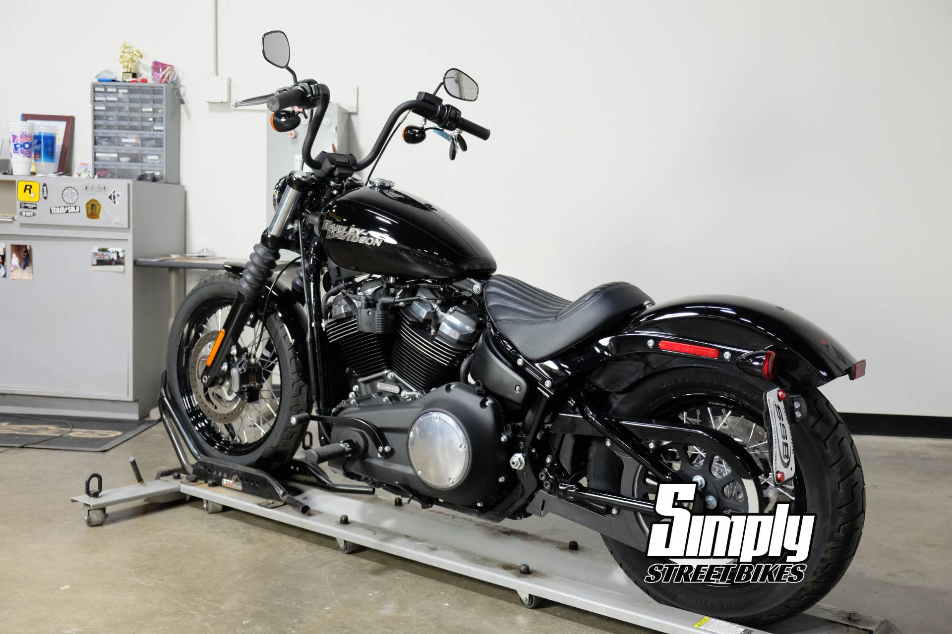 2018 Harley-Davidson Street Bob® 107 in Eden Prairie, Minnesota - Photo 6