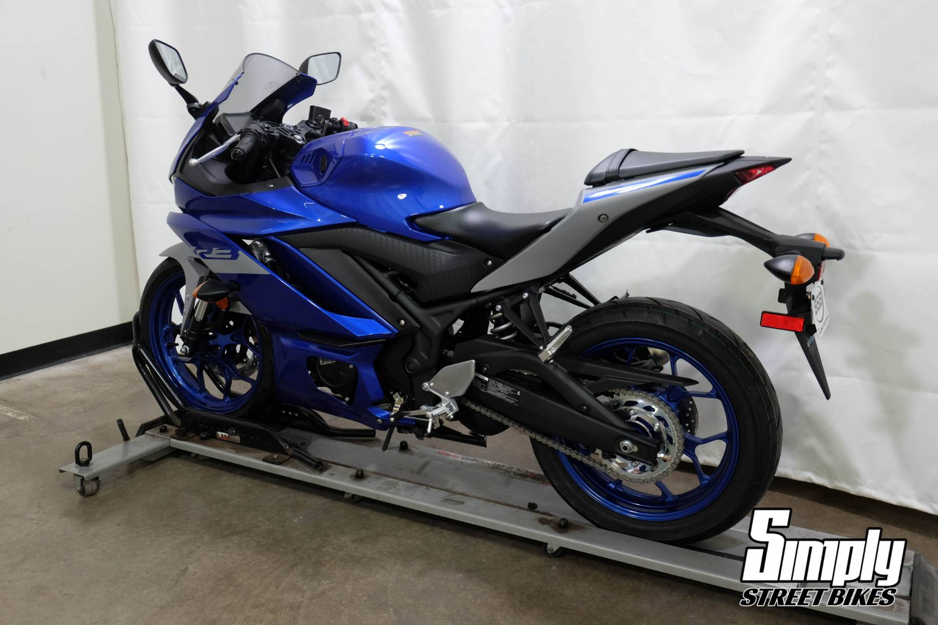 2020 Yamaha YZF-R3 in Eden Prairie, Minnesota - Photo 6